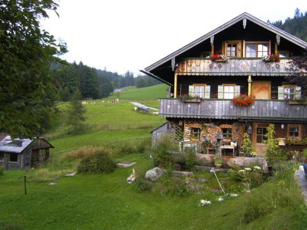 Thannlehen 3 - gemütliche Unterkunft in Oberbayern - Kind uind Hund willkommen in einem historischen Bauernhaus